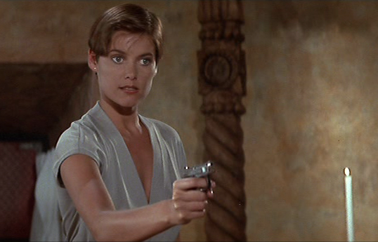 Pam Bouvier-Licence to Kill